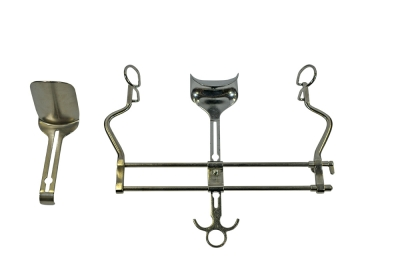 Aesculap Charnley - Type Initial Incision Retractor Set